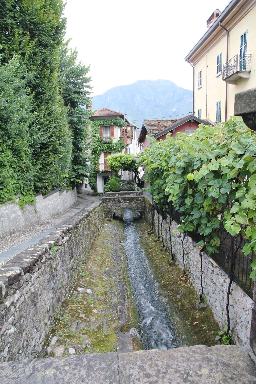 torrente-pola-lenno-am-comer-see-labsalliebe