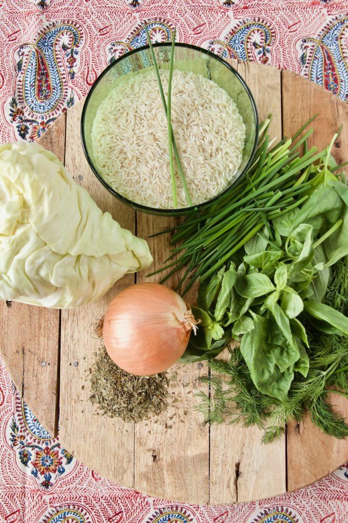 Kalam Polo Shirazi - Safran-Kräuter-Reis mit Spitzkohl und Hackbällchen